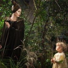 Maleficent: Angelina Jolie nel ruolo di Malefica in una scena tratta dal film
