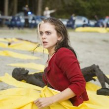 iZombie: Rose McIver in una delle prime immagini della serie
