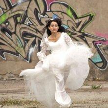 Géronimo: Nailia Harzoune in fuga dal matrimonio in una scena del film