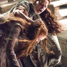 Il trono di spade: Kate Dickie, Sophie Turner nell'episodio Mockingbird