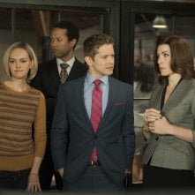 The Good Wife: Julianna Margulies, Jess Weixler e Matt Czuchry nell'episodio A Weird Year