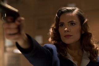 Hayley Atwell nel ruolo dell'Agente Peggy Carter