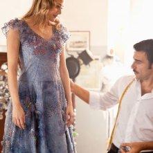 Pane e burlesque: Edoardo Leo con Laura Chiatti in una scena del film