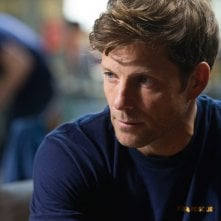 The Smoke: Jamie Bamber nel primo episodio