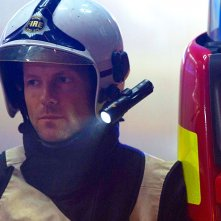 The Smoke: Jamie Bamber in una scena del settimo episodio