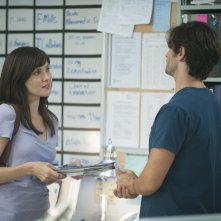 The Night Shift: Jill Flint e Eoin Macken nel primo episodio della serie