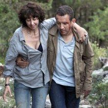 Valérie Bonneton e Dany Boon in una scena di Tutta colpa del vulcano
