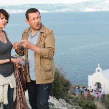 Tutta colpa del vulcano: i protagonisti del film Valérie Bonneton e Dany Boon in una scena