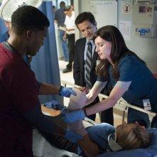 The Night Shift: Freddy Rodriguez e Jeannane Goosen nell'episodio Second Chances