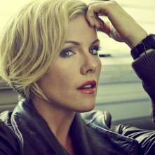 Murder in the First: Kathleen Robertson in un'immagine promozionale