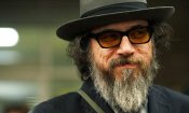 Larry Charles dirige The Man Who Sued God
