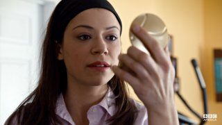 Orphan Black: Tatiana Maslany nell'episodio Variations Under Domestication