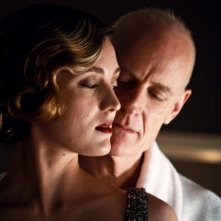 Orphan Black: Evelyne Brochu e Matt Frewer nell'episodio Variations Under Domestication