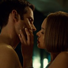 Orphan Black: Tatiana Maslany e Dylan Bruce nell'episodio Ipsa Scientia Potestas Est