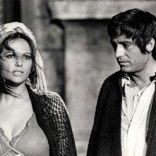 Manfredi e Claudia Cardinale 'Nell'anno del Signore'