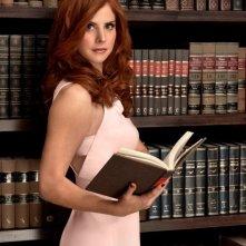 Suits: un'immagine promozionale di Sarah Rafferty per la quarta stagione