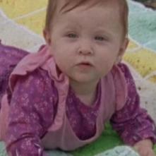 The Walking Dead: La piccola Judith in una scena dell'episodio Il bosco