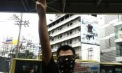 Hunger Games: i manifestanti thailandesi adottano il saluto di Katniss