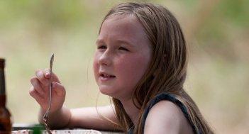 The Walking Dead: Meyrick Murphy in una scena dell'episodio Peso morto