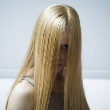 1303: Kathleen Mackey in una inquietante scena del film