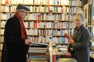 Le Week-end: Jim Broadbent insieme a Lindsay Duncan in una scena del film