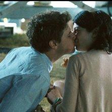Gabrielle - Un amore fuori dal coro:  Alexandre Landry bacia Gabrielle Marion-Rivard in una scena del film