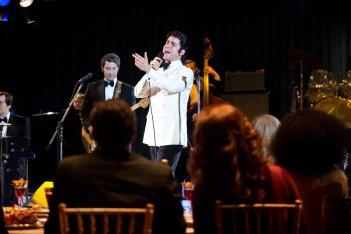 Jersey Boys: John Lloyd Young nei panni di Frankie Valli una scena del film
