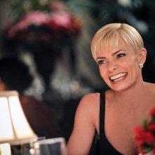 Jennifer Falls: Jaime Pressly in una scena della prima stagione