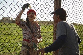 Un insolito naufrago nell'inquieto mare d'Oriente: Sasson Gabai e Myriam Tekaïa in una scena del film