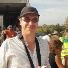 Il regista Sylvain Estibal sul set di Un insolito naufrago nell'inquieto mare d'Oriente