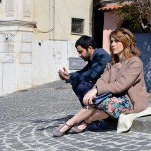 La pioggia che non cade: Carlo Picone con Viviana Colais in una scena del film