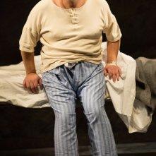 King Lear: Simon Russell Beale in una scena nei panni di King Lear