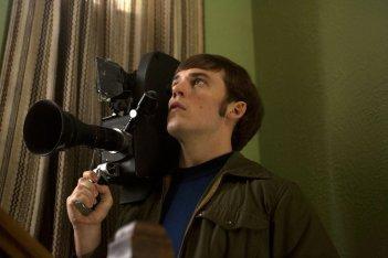 Le origini del male: Sam Claflin in una scena del film horror