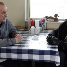 Fargo: Keith Carradine e Billy Bob Thornton in una scena dell'episodio A Fox, a Rabbit and a Cabbage