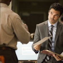 Murder in the First: Ian Anthony Dale in una scena del pilot