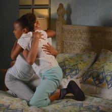 Mistresses: Rochelle Aytes e Corinne Massiah in una scena dell'episodio Open House