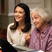 Chasing Life: Rebecca Schull e Italia Ricci nel primo episodio della serie