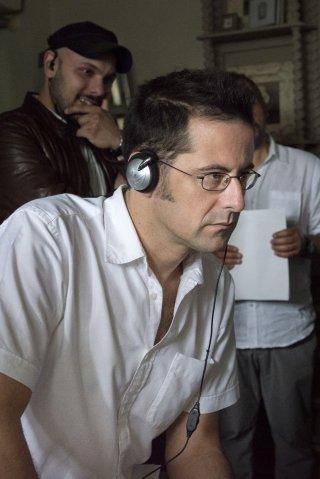 Il ricco, il povero e il maggiordono: il regista Morgan Bertacca sul set