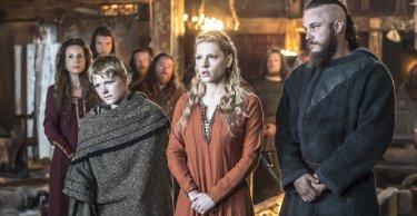 Vikings: Katheryn Winnick, Travis Fimmel, Nathan O'Toole nell'episodio Brother's War