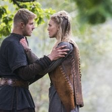Vikings: Alexander Ludwig e Gaia Weiss nell'episodio The Lord's Prayer