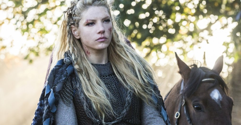 Vikings: Katheryn Winnick in una scena dell'episodio The Choice