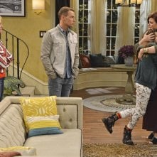 Melissa & Joey: Melissa Joan Hart, Jada Facer e Joseph Lawrence in At Last