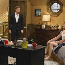Melissa & Joey: Jospeh Lawrence e Kevin Fonteyne nell'episodio At Last