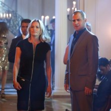 CSI: George Eads e Elisabeth Shue nell'episodio Consumed