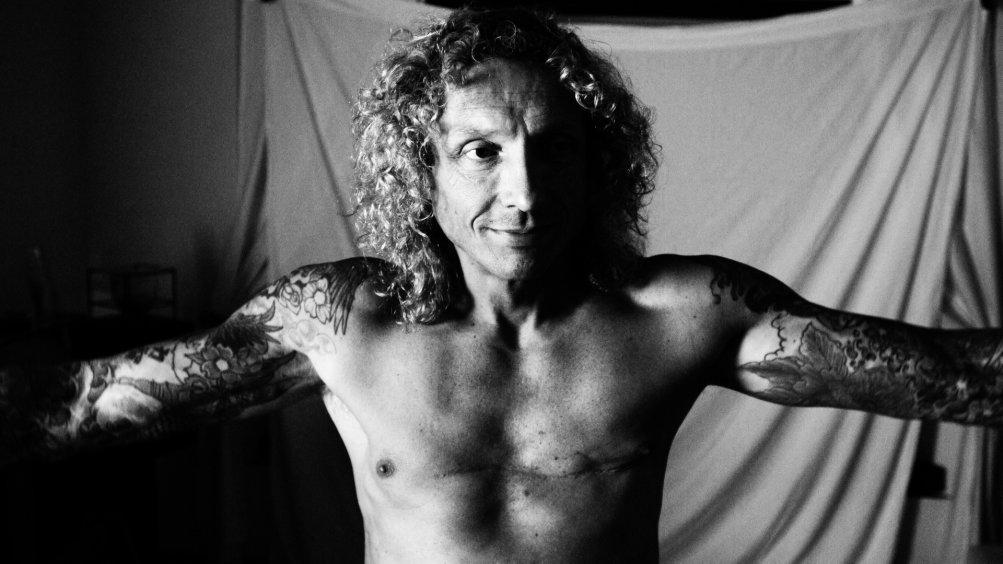 Come fare soldi vendendo droga: un'immagine di Bobby Carlton, ex trafficante di droga, ora dirige un centro di disintossicazione