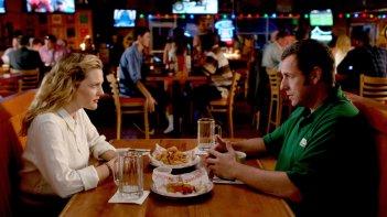 Drew Barrymore e Adam Sandler genitori single in guerra in Insieme per forza