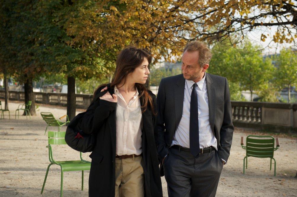 TROIS COEURS: BENOÎT POELVOORDE con CHARLOTTE GAINSBOURG nel film