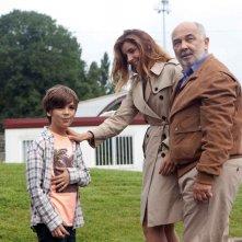 Babysitting: Clotilde Courau con Gérard Jugnot e il piccolo Enzo Tomasini in una scena del film