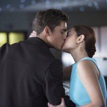 The Giver - Il mondo di Jonas: Brenton Thwaites e Odeya Rush si scambiano un bacio