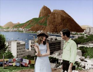 L'uomo di Rio: Françoise Dorléac insieme a Jean-Paul Belmondo in una scena del film